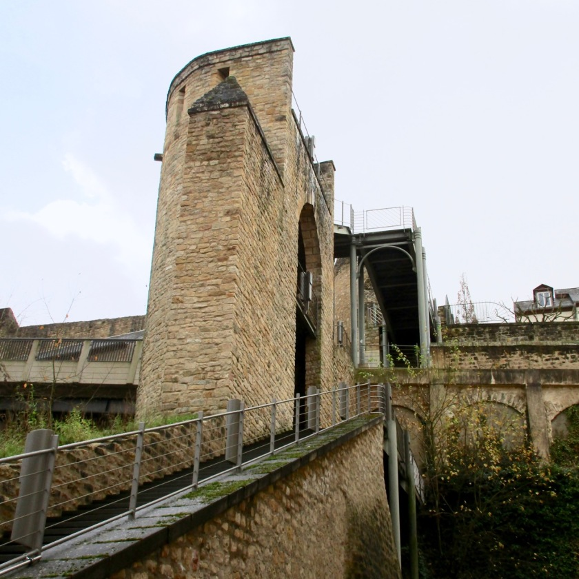 Salah satu bagian dari benteng yang sudah direnovasi